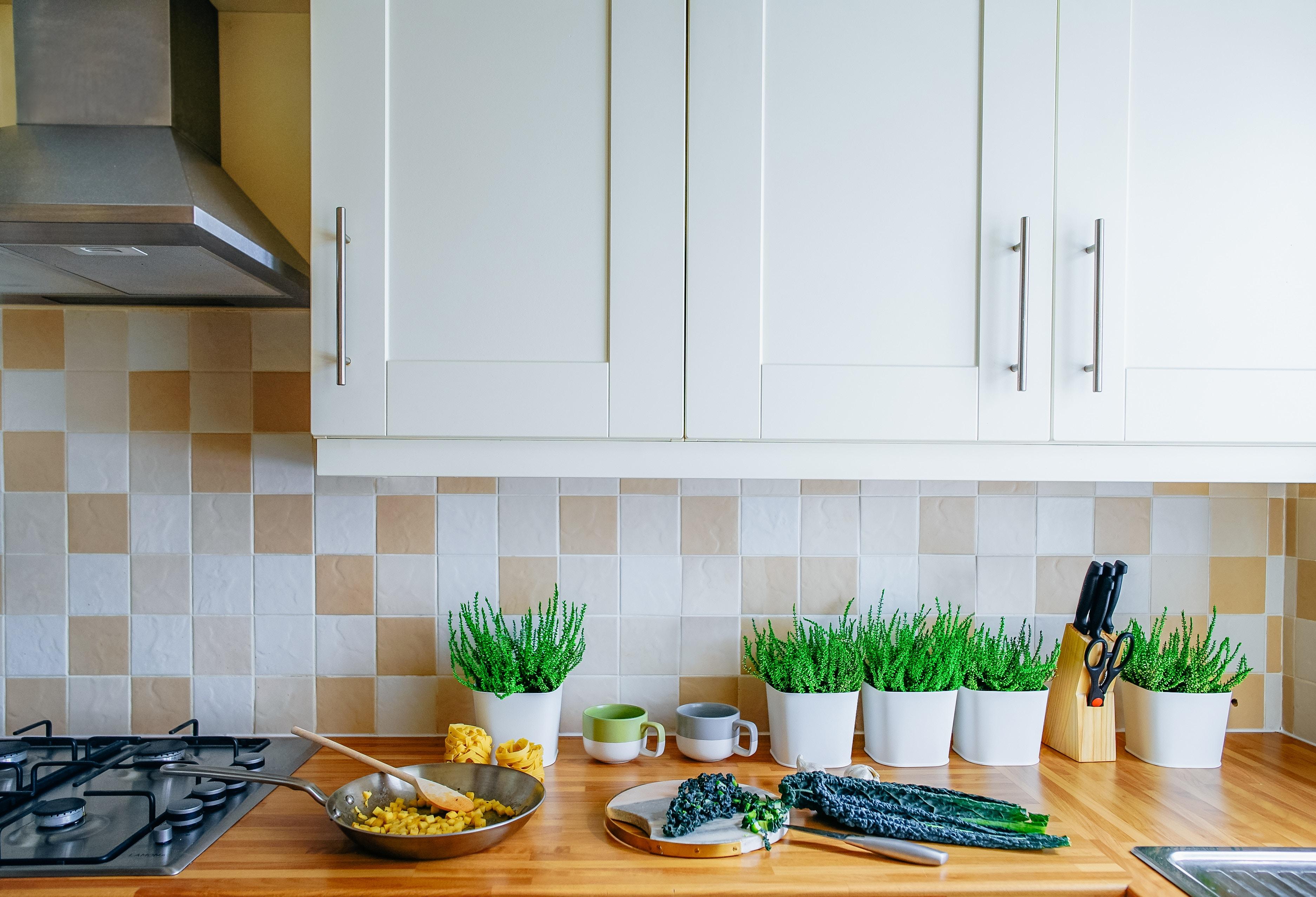 Ob Sie Nun Vor Einer Alten Einbauzeile Aus Rustikaler Eiche Oder In Einem  Leeren Raum Stehen: Sie Haben Alle Möglichkeiten Ihre Küche In Den  Perfekten Ort ...