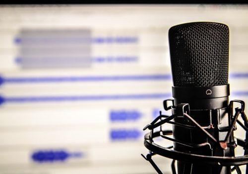 Symbolbild für Aufsnehmen und Podcast hören