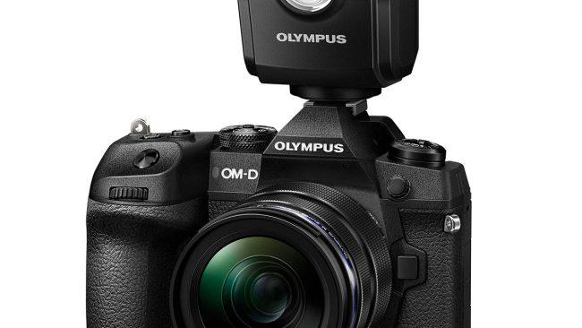 Olympus OM-D E-M1X mit Blitz FL-700WR