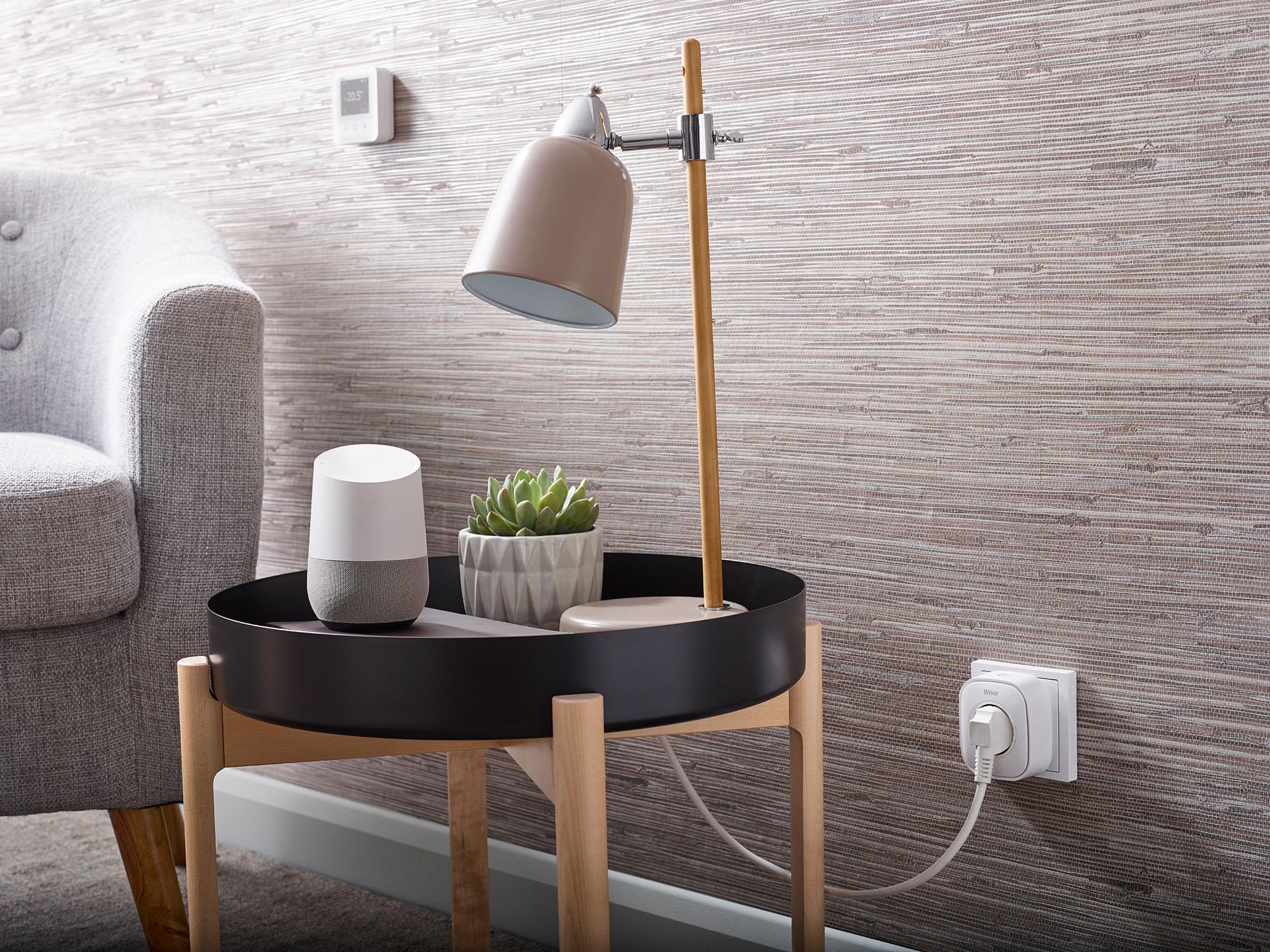 Wiser Smart Plug Lampe Google Home