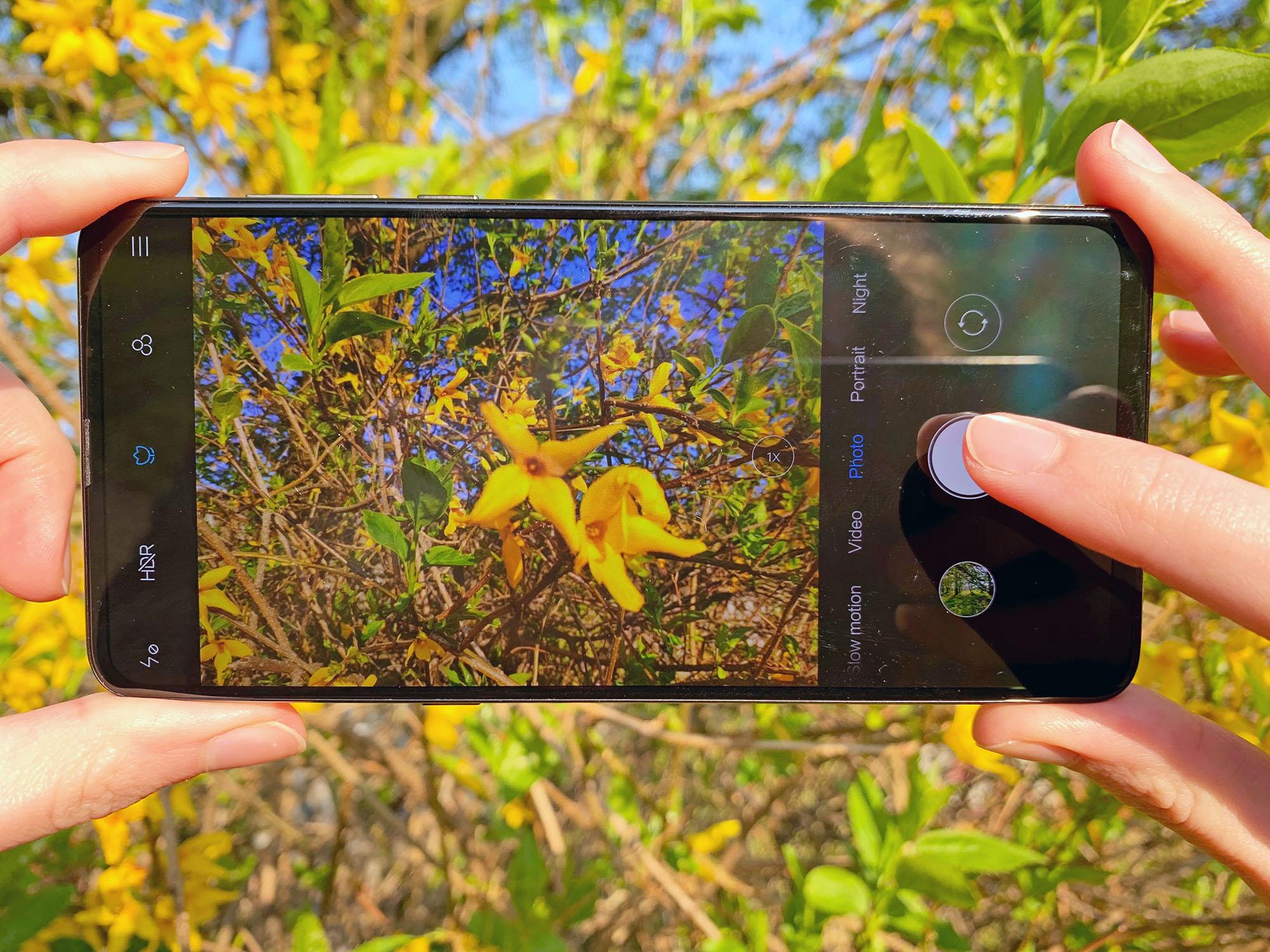 Xiaomi Mi Mix 3 im Test beim Fotografieren