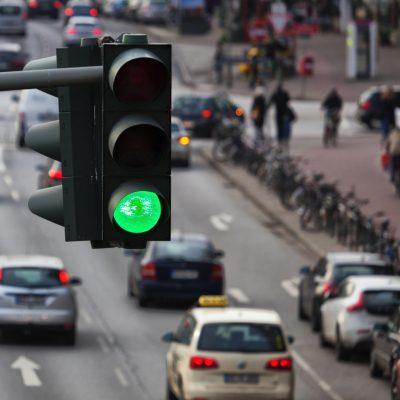 Uber in Hamburg / Image by Ralf Gosch via stock.adobe.com