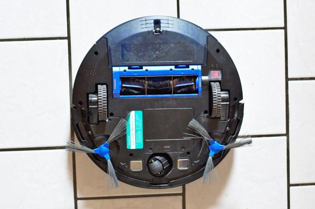 Die Unterseite des Eufy RoboVac 11S Max