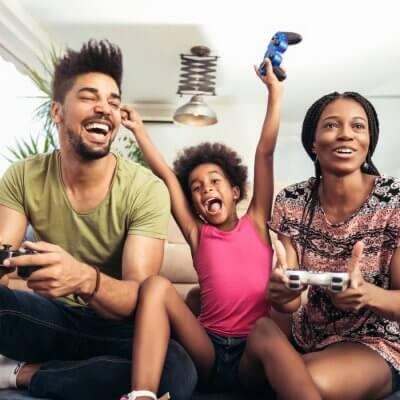 Computerspiele für Familien Teaserimage by Mediteraneo via stock.adobe.com