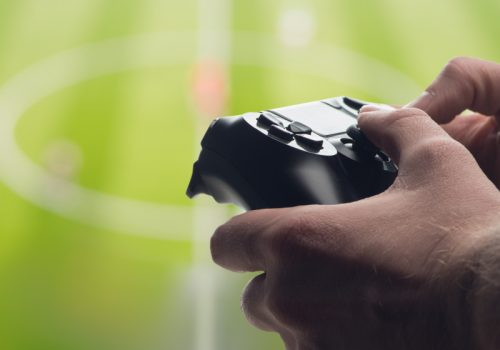 Man holding Gamepad / Image by olegkruglyak3 via stock-adobe-com