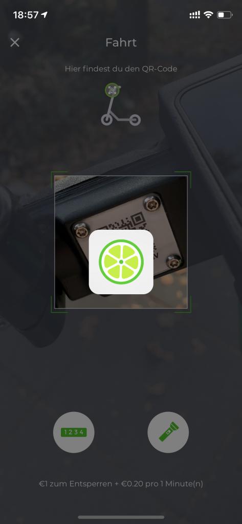 QR Code beim E-Scooter scannen