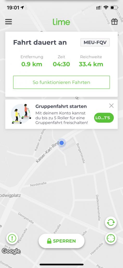 E-Scooter-Fahrt per App starten.