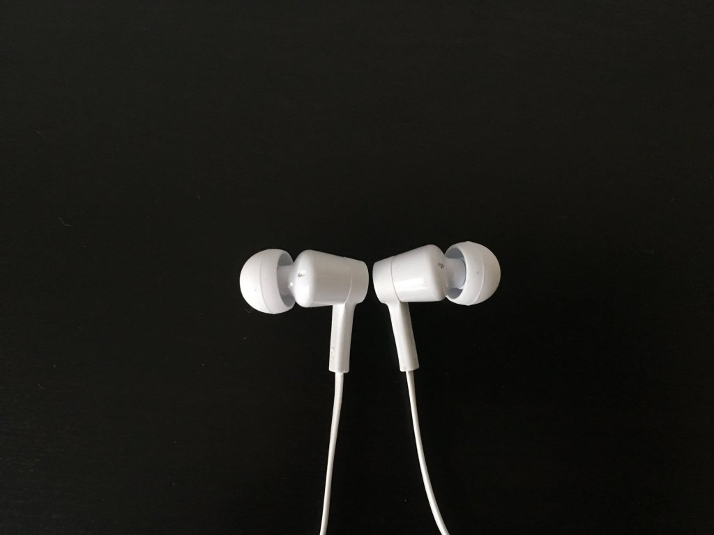 Die Ear-Buds der Belkin Rockstar Headphones im Test / Image by Moritz Stoll