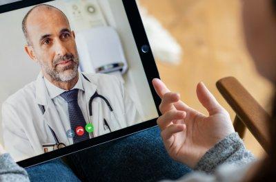 Titelbild Coronavirus Symptome online checlen / Bild von Rido via stock.dobe.com