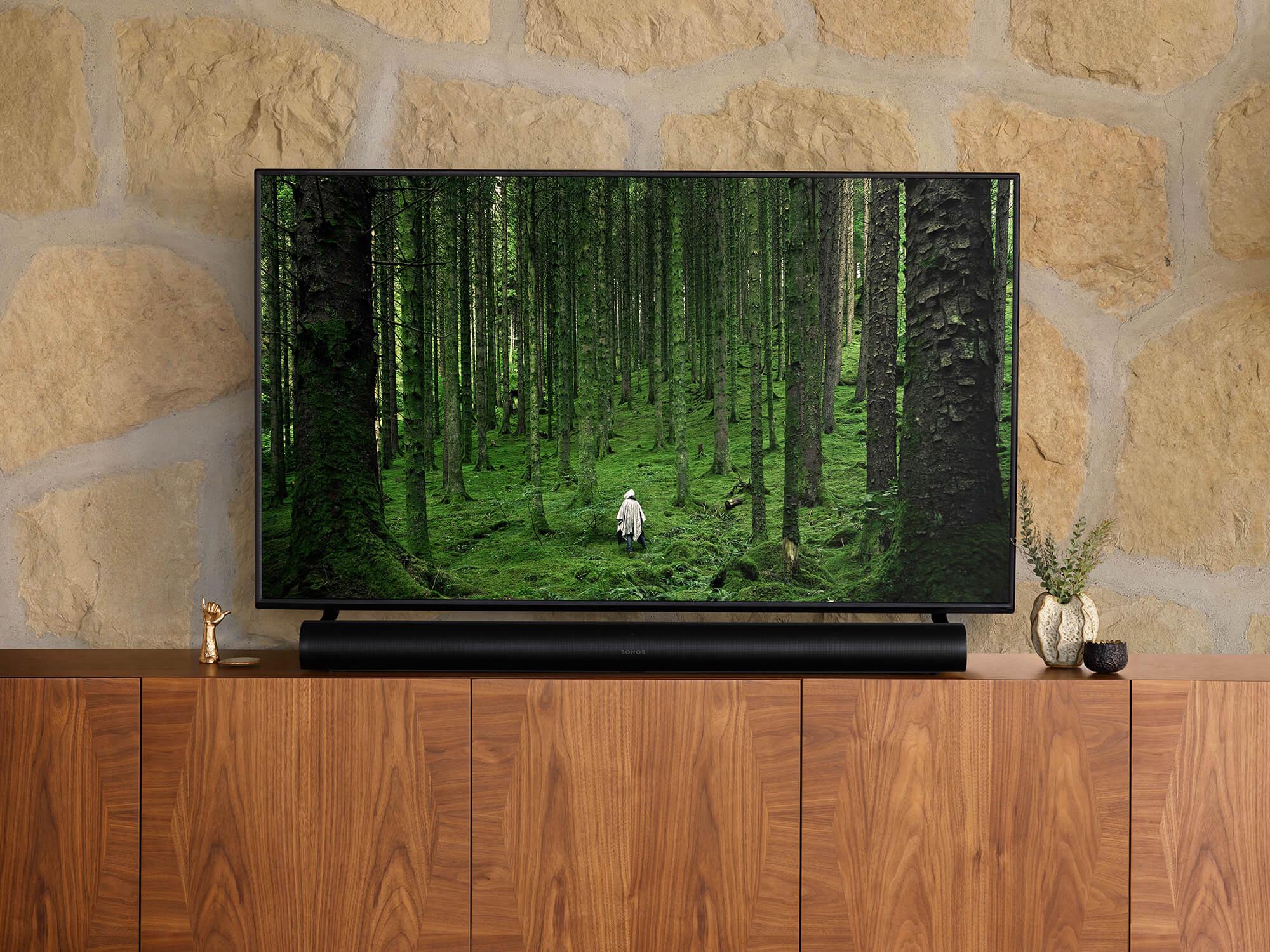 Sonos Arc Schwarz unter Fernseher