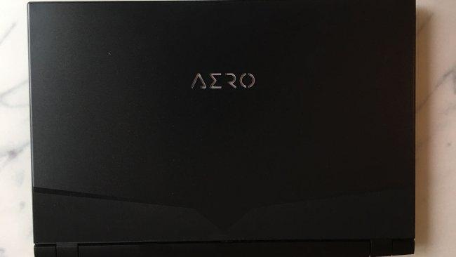Obenansicht der Aero 17 HDR im Test