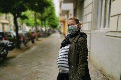Bild von Maren Meheust mit Babybauch zu Schwangerschaft während Corona