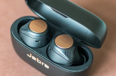 Jabra Elite Active 75 im Ladecase.