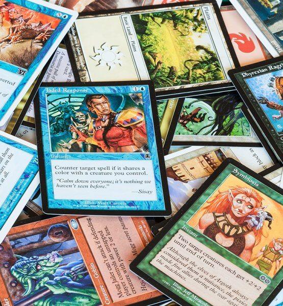 Das Bild zeigt mehrere Karten aus Magic :the Gathering Arena