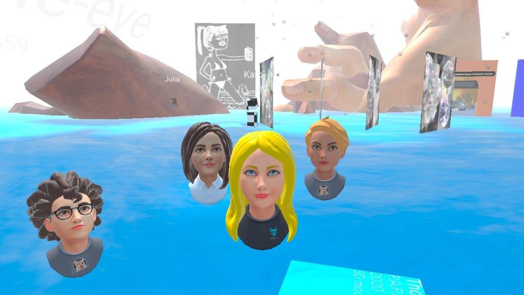 Zeigt eine selbst gestaltete Ausstellung im virtuellen Raum von Kara Agora zum Thema Selfies auf Mozilla Hub