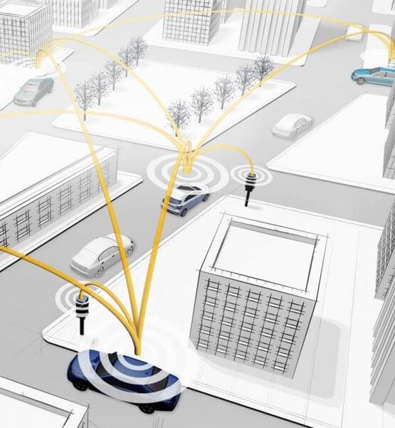 Einige vernetzte Fahrzeuge in der Großstadt