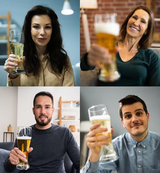 Tipps für bessere Videocalls - 4 Menschen in einem Videocall mit Biergläsern in der Hand