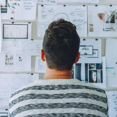 Um mit deinem Start-up richtig durchzustarten, benötigst du eine passende Online-Strategie.